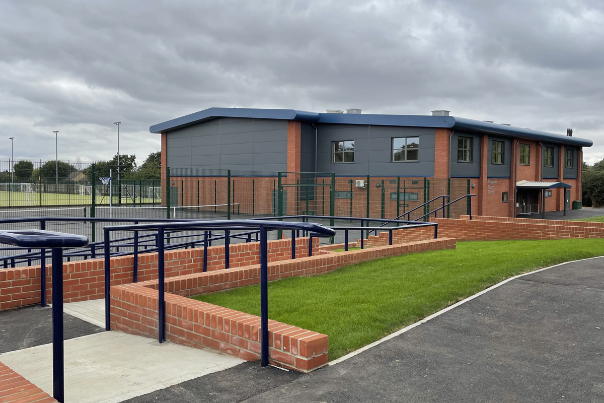 Chelmsford County High School for Girls - New Sports Hall - Photo 1